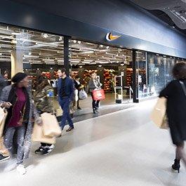 Soldes à Usines Center Paris Outlet, Gonesse - Centre commercial outlet