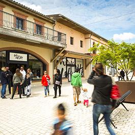Soldes à Nailloux Outlet Village près de Toulouse
