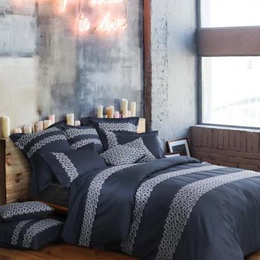 garnier thiebaut nailloux nailloux outlet village. Black Bedroom Furniture Sets. Home Design Ideas