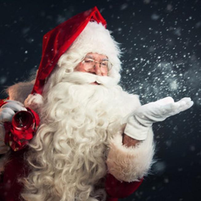 Père Noël à Honfleur Normandy Outlet