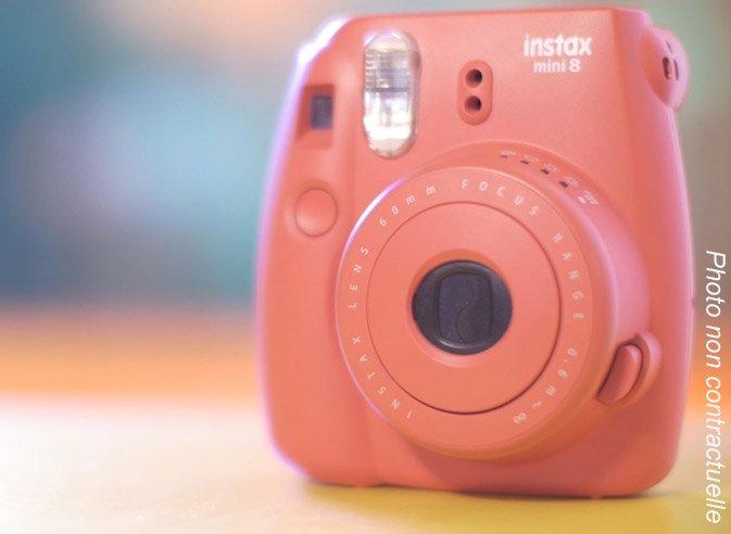 Polaroid Fugifilm Instax 8 à gagner à Channel Outlet Store